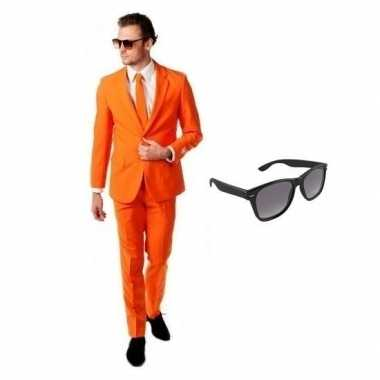 Oranje heren carnavalskleding maat 56 (3xl) met gratis zonnebril